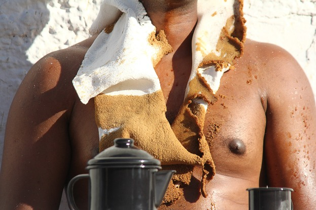 Coffee Black | 60 x 450 cm | Foto: Heloá Fernandes | 2012